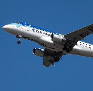Самолет Estonian Air.