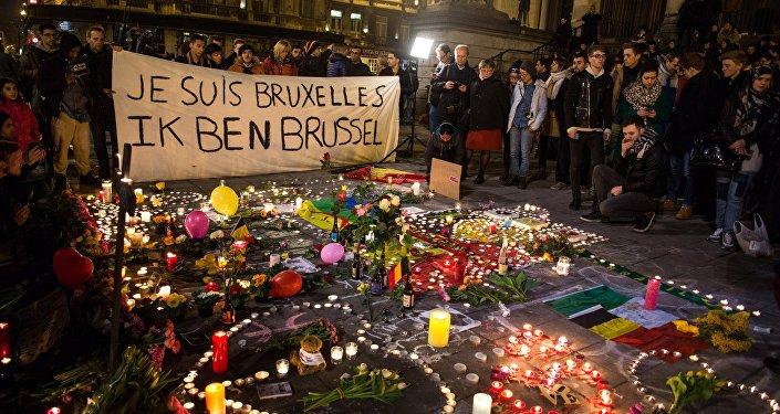 Sveces Bursa laukumā Briseles centrā 22. marta terorisma aktu upuru piemiņai