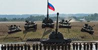 Танки Т-90 и Т-80 и самоходная гаубица Мста-С, архивное фото