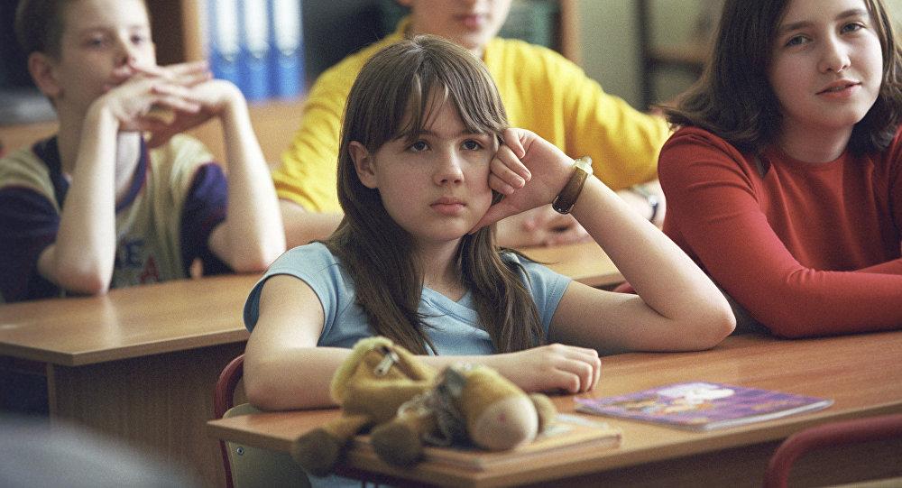 Школьники.Архивное фото