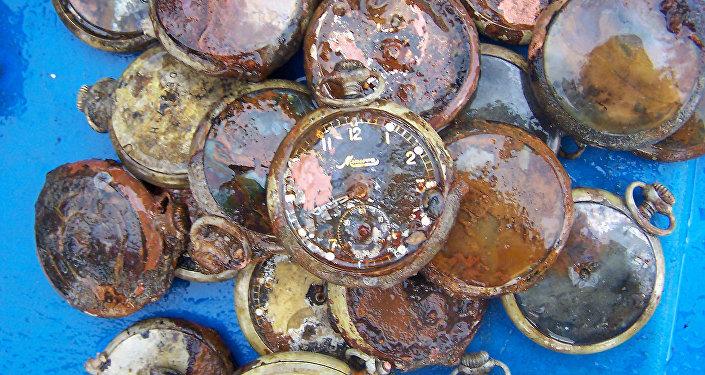 No nogrimuša kuģa izcelts pulkstenis