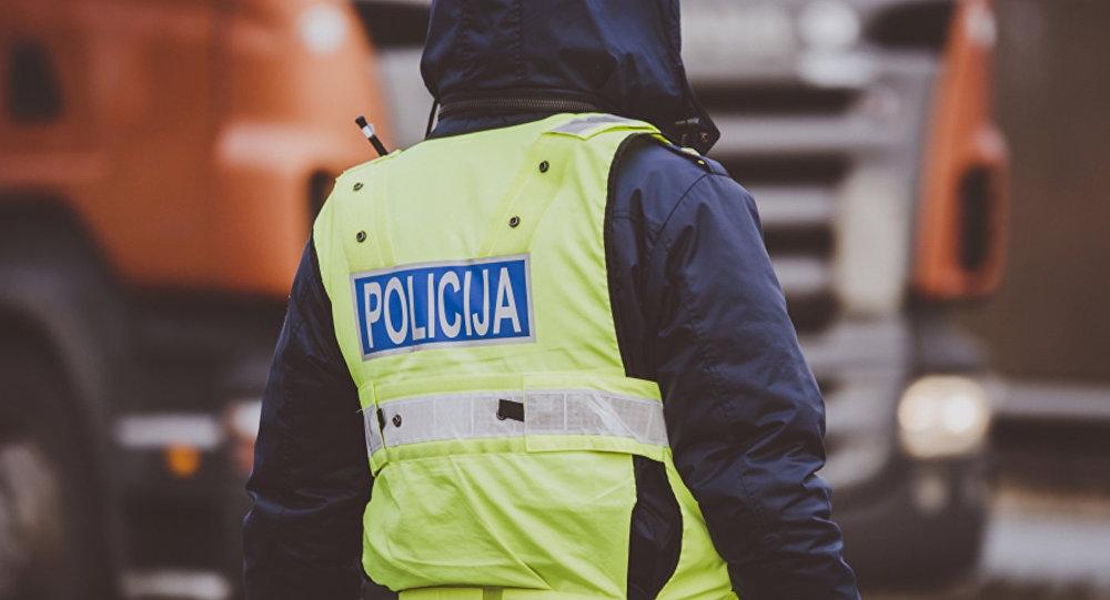 Policijas darbinieki. Foto no arhīva