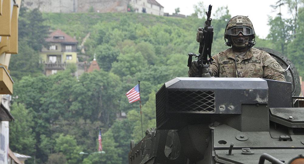 Генетический код не дает покоя: НАТО в поисках большого врага на востоке
