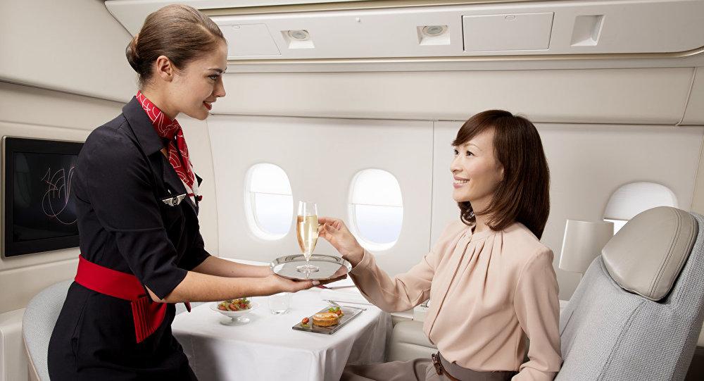 Стюардесса французской компании Airfrance