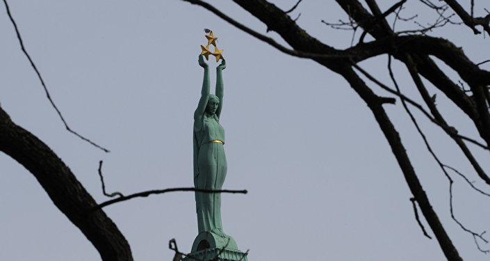 Brīvības pieminēklis. Rīga. Foto no arhīva