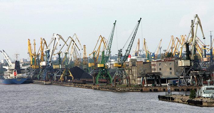 Rīgas osta. Foto no arhīva