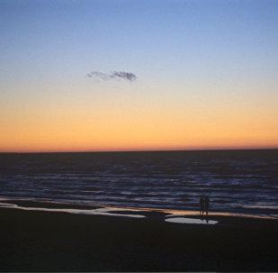 Закат на Балтийском море, архивное фото