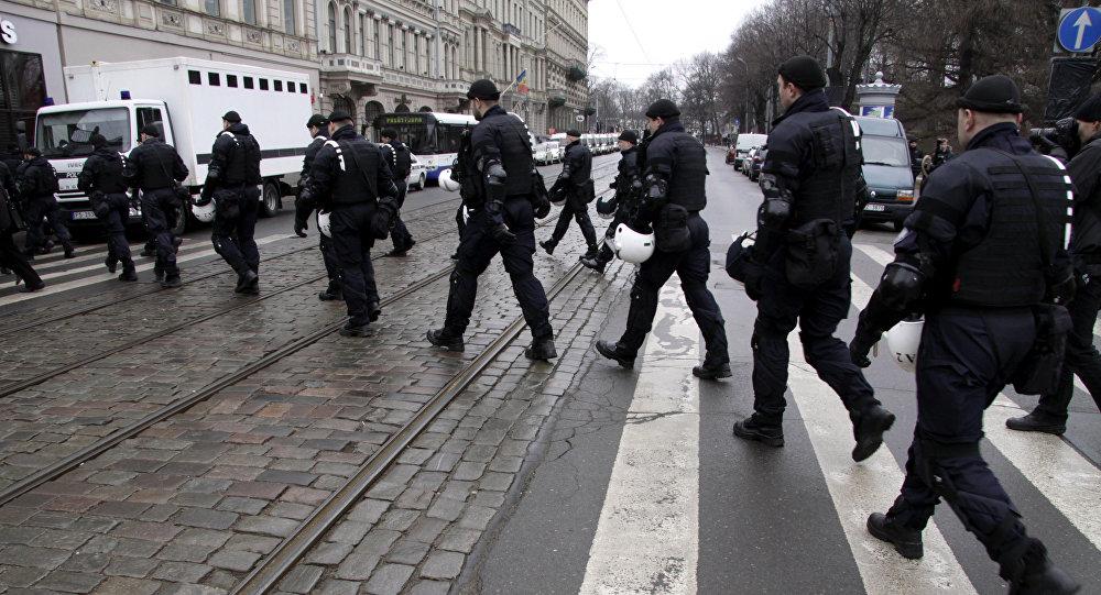 Сотрудники правоохранительных органов в Риге. Архивное фото