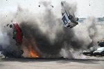 Архивное фото взрыва автомобилей