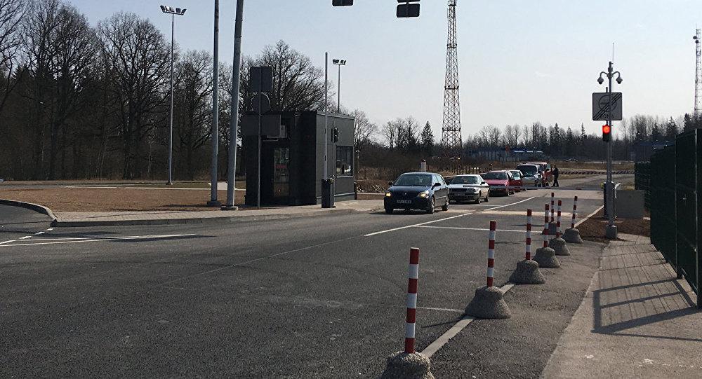 У Латвии и России появился новый КПП а дорог все нет