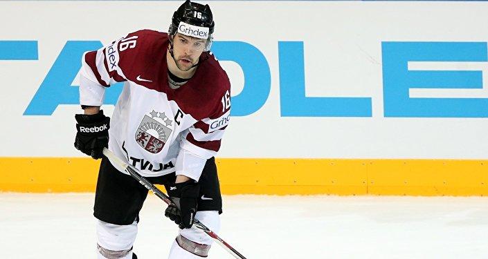 Игрок сборной Латвии Каспарс Даугавиньш. Архивное фото