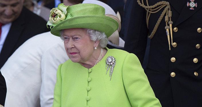 Королева Великобритании Елизавета II, июнь 2014 года