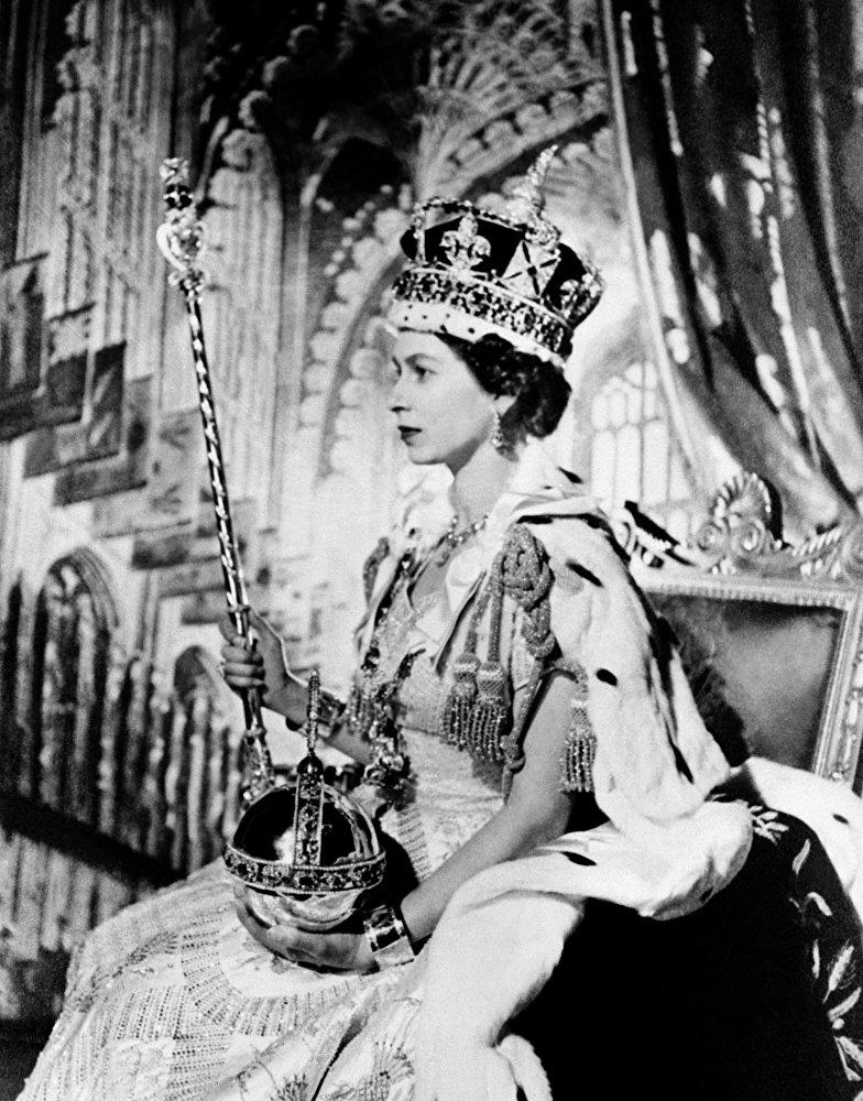 Королева Елизавета II во время своей коронации