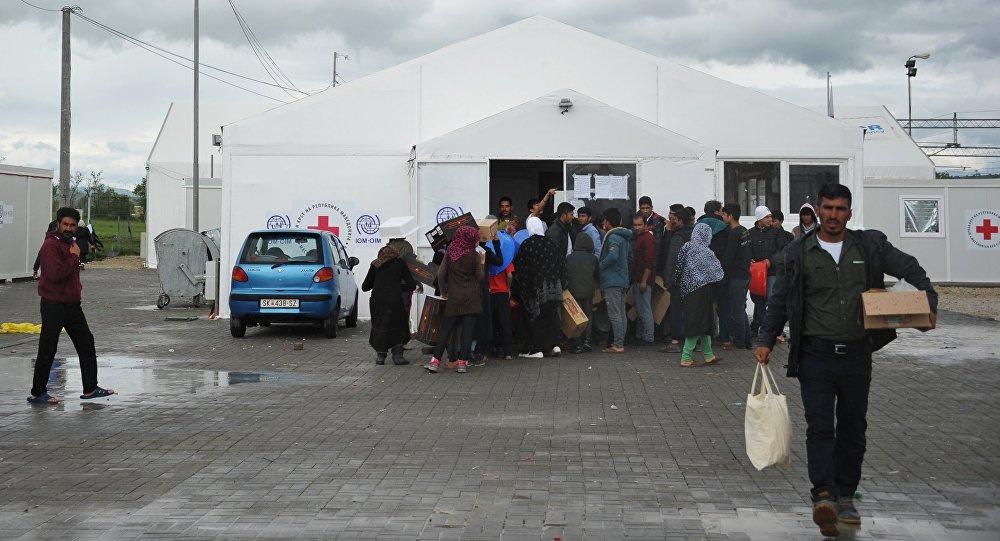 Лагерь беженцев Табановце в Македонии около македоно-сербской границы. Архивное фото