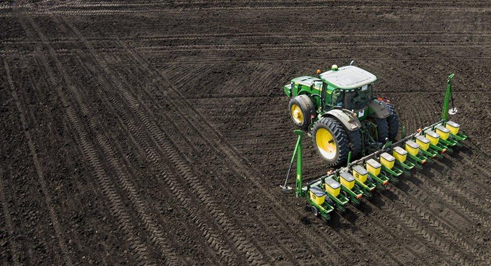 Фермерам вЛатвии недоверят землю без знания латышского