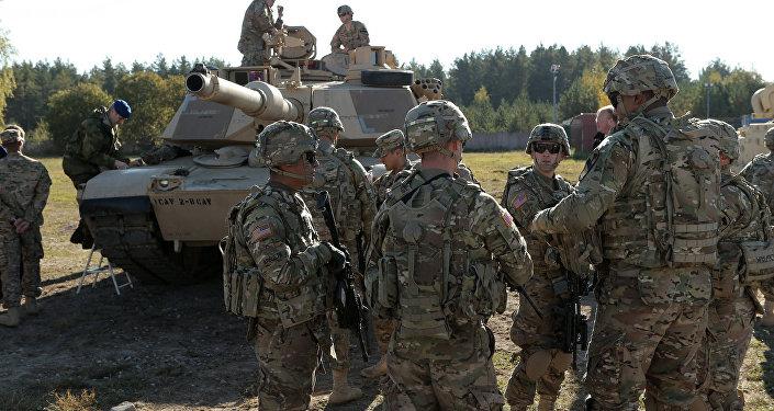 Военные американской армии на полигоне Адажи