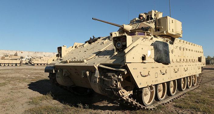Военная техника стран НАТО на полигоне в Адажи, архивное фото