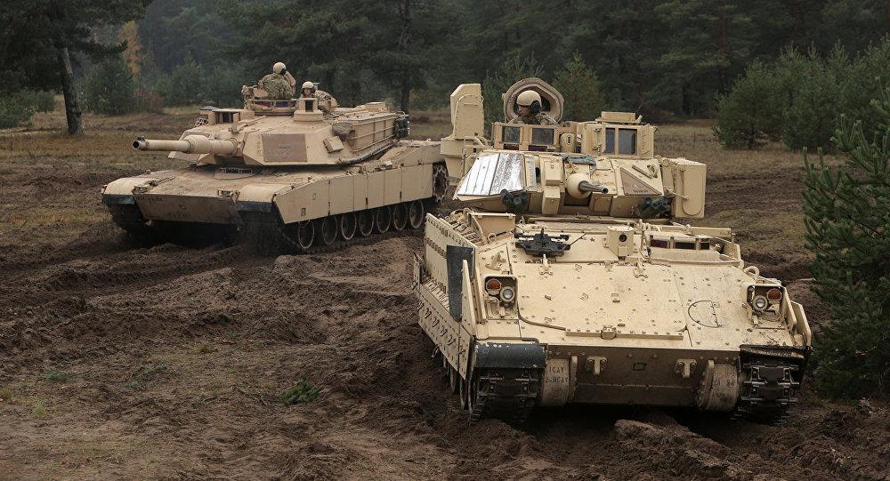 NATO valstu tanki Abrams un Bradley. Foto no arhīva