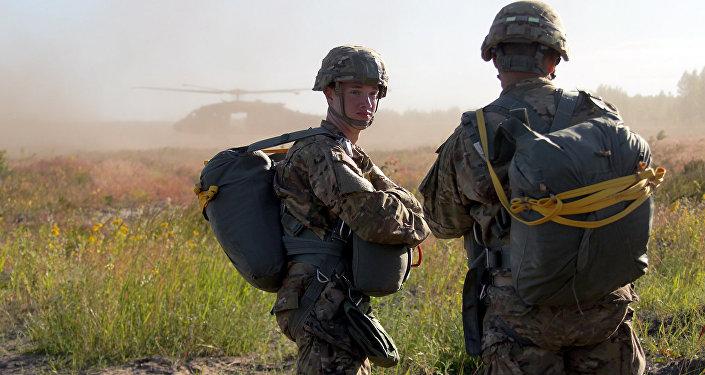 Высадка военных стран НАТО на полигоне Адажи. Архивное фото