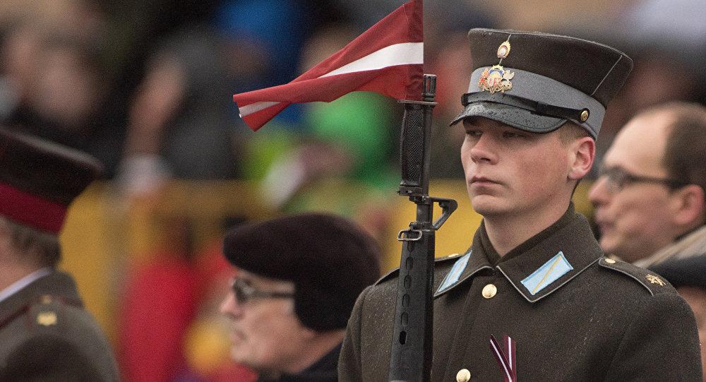 Почетный караул Латвии на Дне независимости. Фото с места события