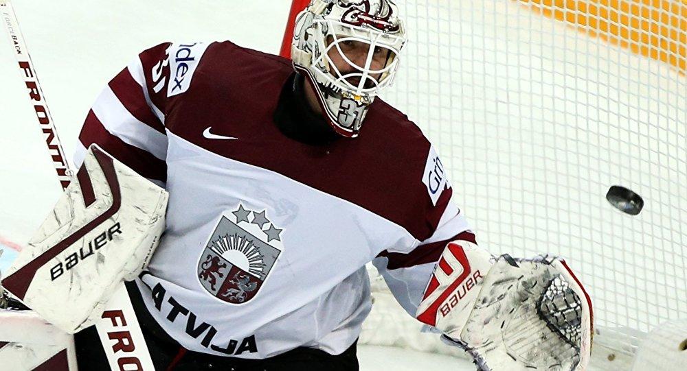 Вратарь сборной Латвии по хоккею Эдгарс Масальскис. Архивное фото