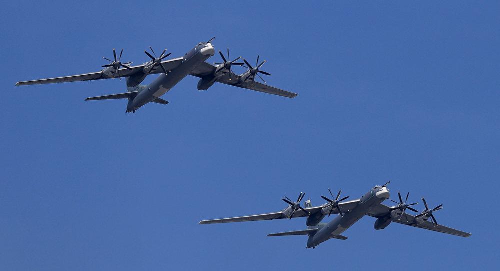Стратегические бомбардировщики-ракетоносцы Ту-95МС, архивное фото