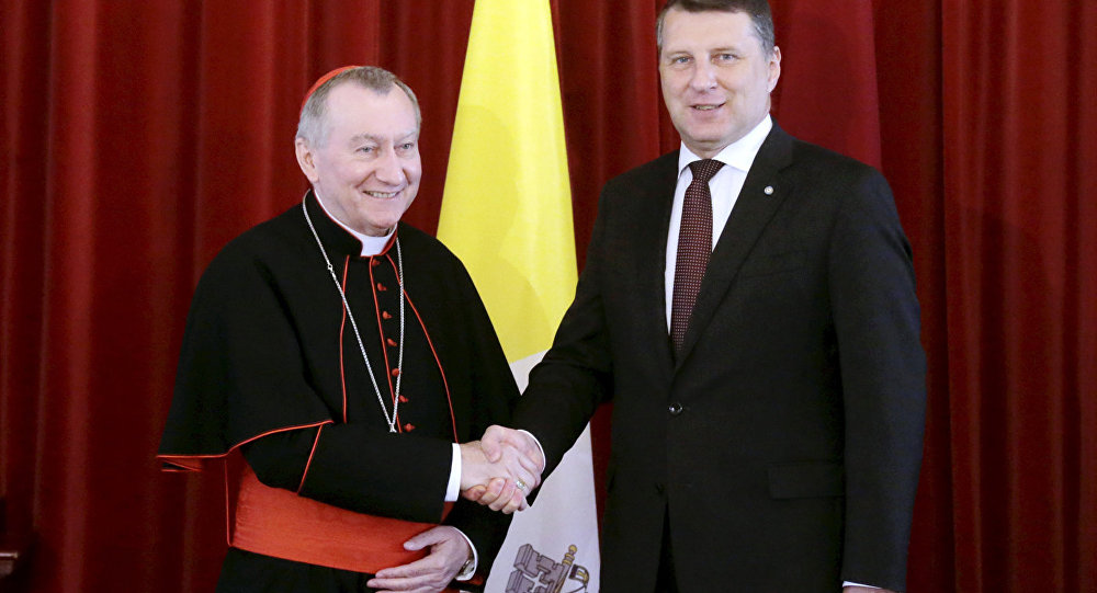 Встреча Президента Латвии Раймондса Вейониса с государственным секретарем Ватикана кардиналом Пьетро Паролином