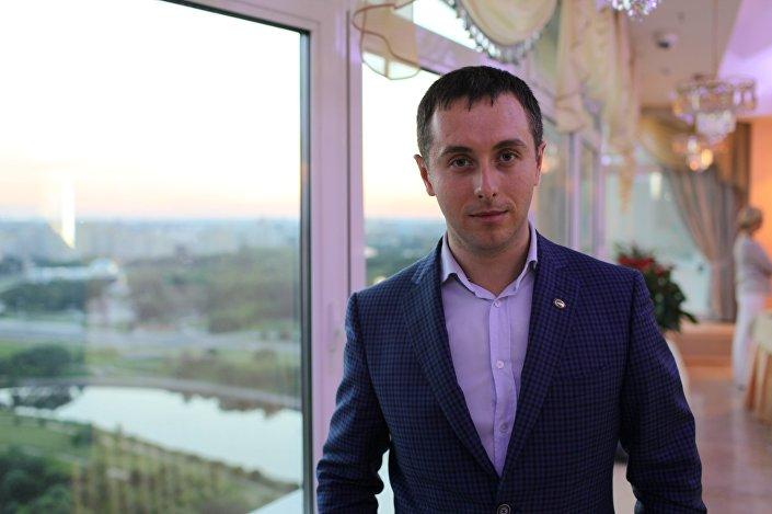 Сергей Семенов, стартап KidsDevar