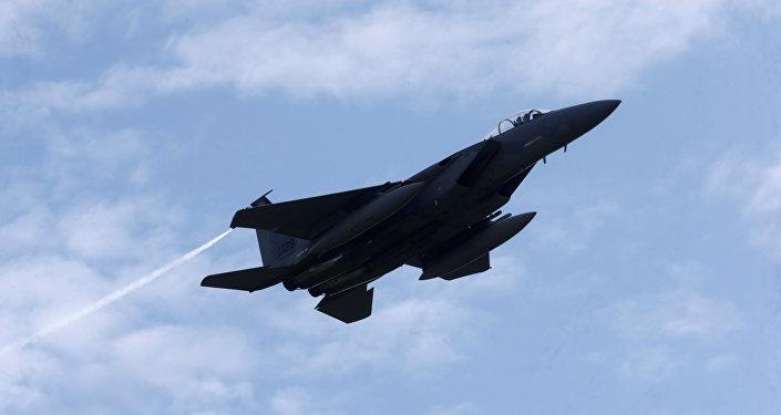 Истребитель F-15 Eagle на военной авиабазе в Лиелварде. Архивное фото