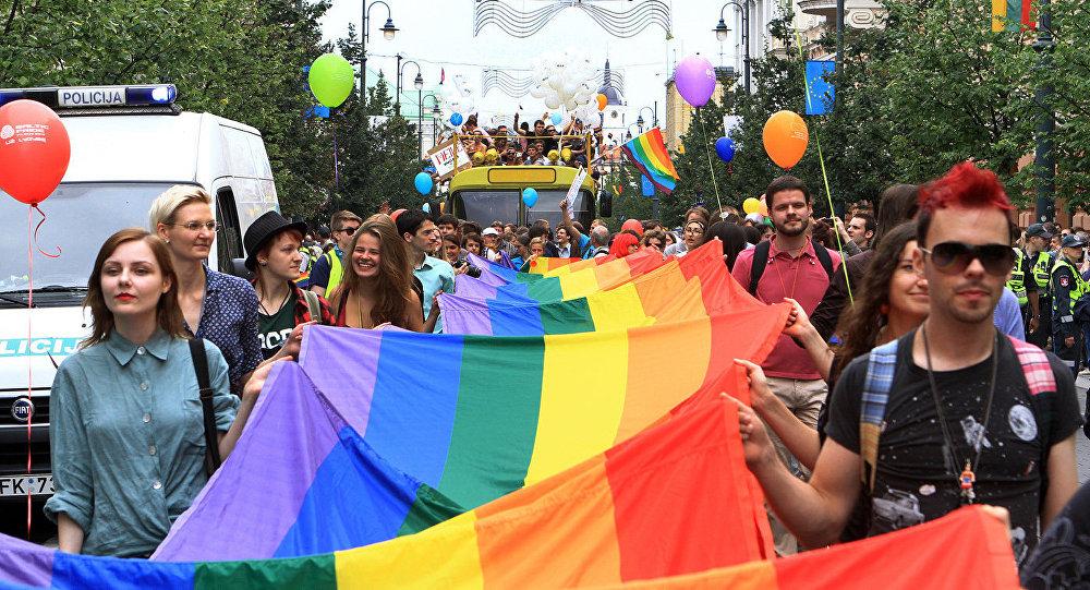 Паровозик гее онлайн фото 439-556