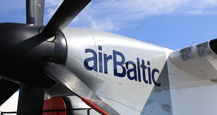 самолет Bombardier авиакомпании AirBaltic. Архивное фото