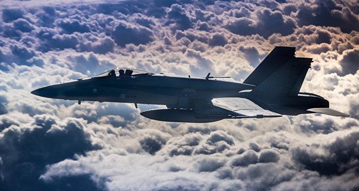 Iznīcinātājs F-18. Foto no arhīva