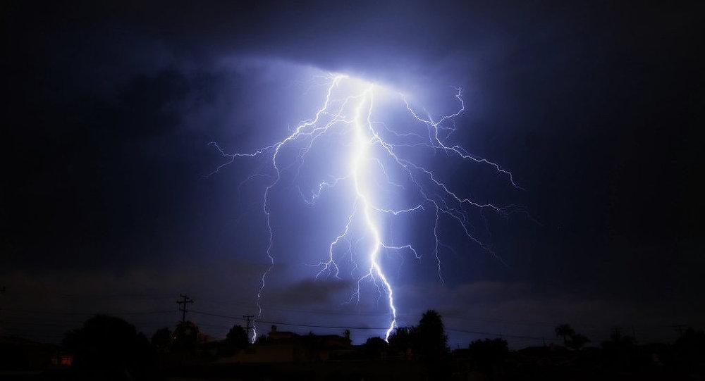 Молния ударила всамолет, летевший изРиги воВнуково
