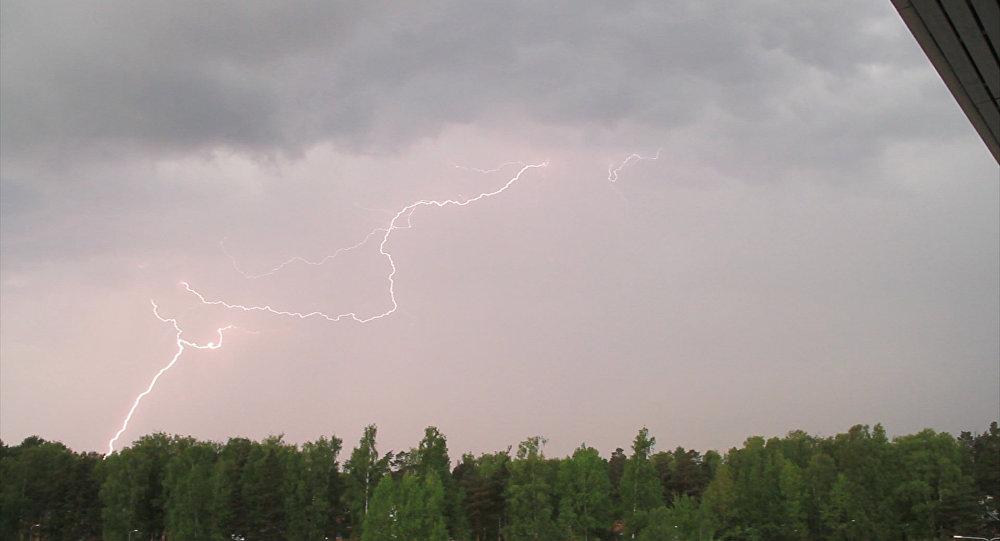 Zibens negaisa laikā. Foto no arhīva