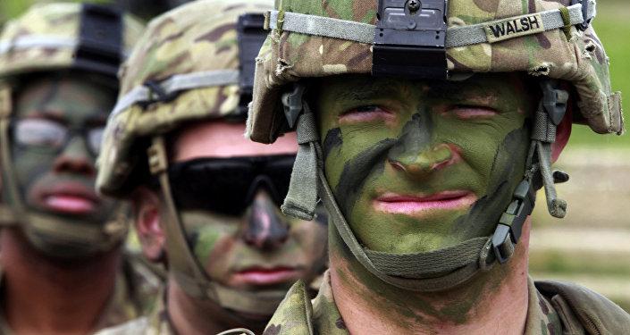 Военнослужащие США во время совместных военных учений на базе Вазиани неподалеку от Тбилиси, Грузия