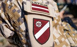 Latvijas armijas karavīru uzšuve