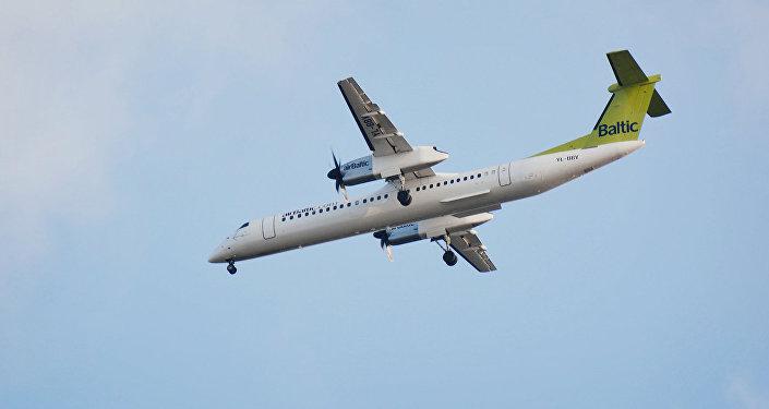 Самолет Bombardier компании AirBaltic. Архивное фото