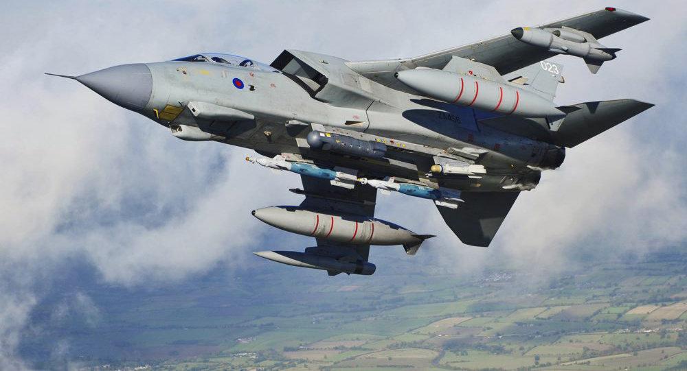Военный самолет Великобритании Tornado GR4. Архивное фото