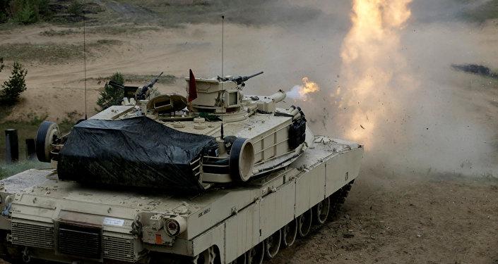 Танк США М1 Абрамс на военных учениях. Архивное фото