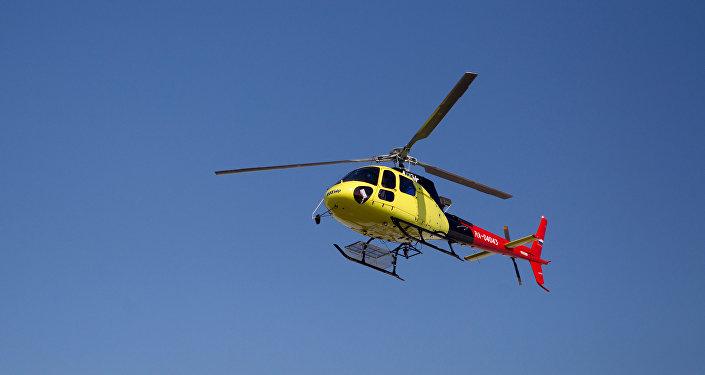 Транспортный многоцелевой одномоторный вертолет французской фирмы Eurocopter AS350. Архивное фото