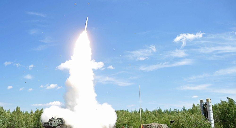 Ukrainas dienvidos sākušās militārās mācības ar raķešu izmēģinājumiem. Foto no arhīva