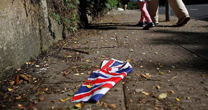 Британский флаг на улице в Лондоне. Архивное фото