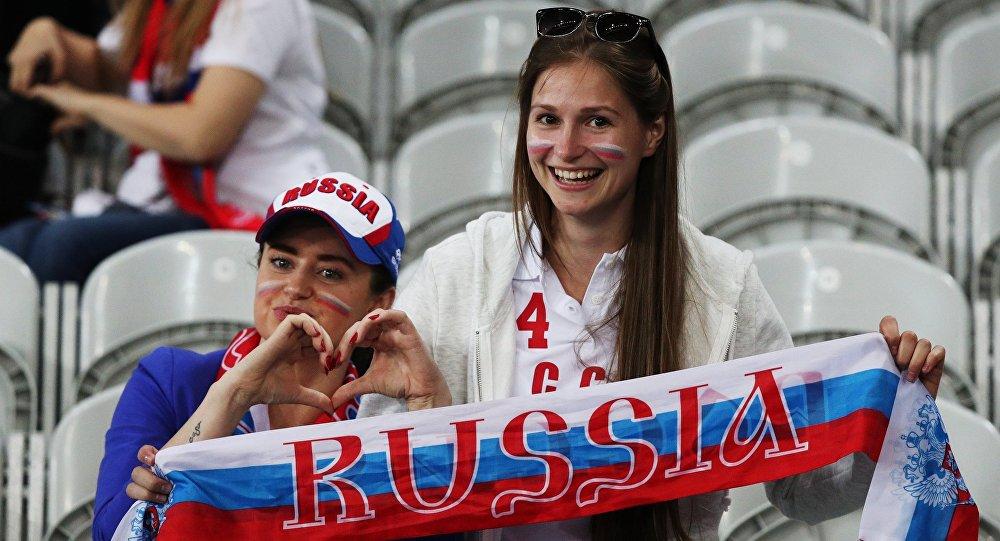 BBC filma par futbola faniem. Foto no arhīva