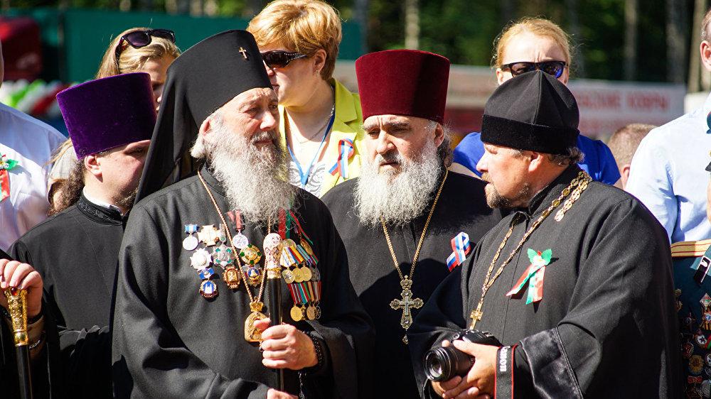 Архиепископ Полоцкий и Глубокский Феодосий с представителями православной церкви