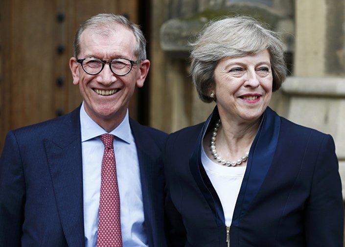 Новый премьер-министр Великобритании Тереза Мэй с мужем Филипом