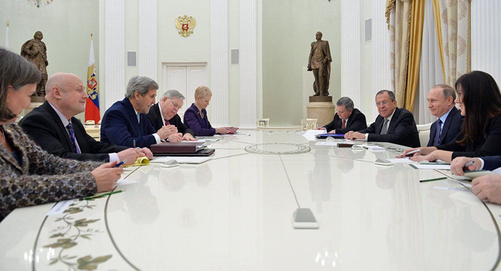 Встреча президента РФ Владимира Путина и главы МИД РФ Сергея Лаврова с госсекретарем США Джоном Керри