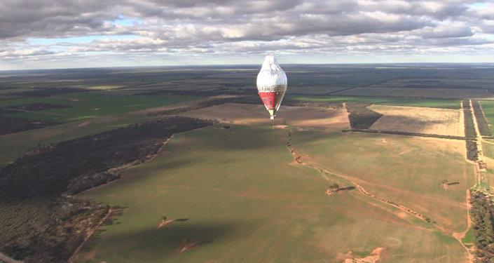 Fjodora Koņuhova jauns rekords: apkārt zemeslodei gaisa balonā