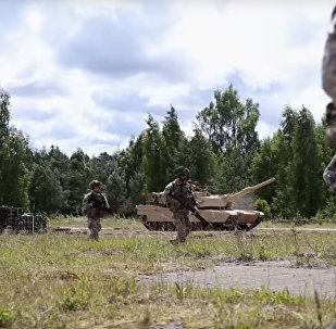 Latvijas armijā aicina ar repu