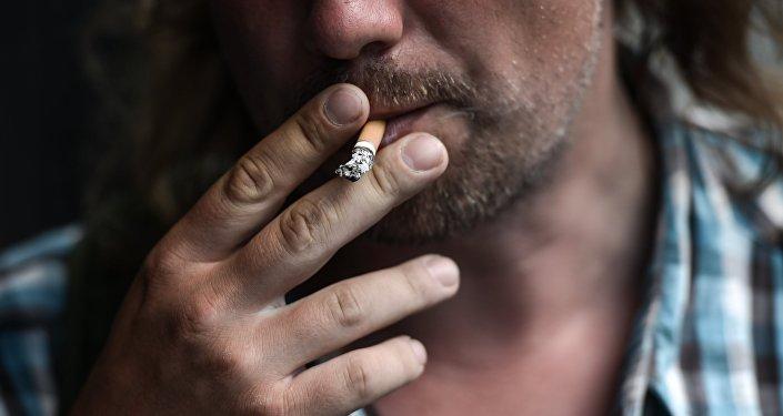 Smēķēšana sabiedriskās vietās. Foto no arhīva
