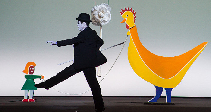 Сцена из спектакля Письмо к человеку с участием Михаила Барышникова